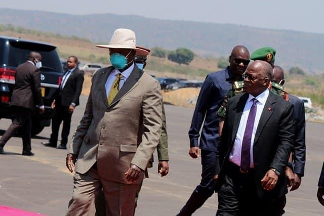 Museveni Meets Magufuli