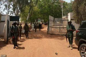 NIGERIA: Three teachers kidnapped after gunmen attack on school
