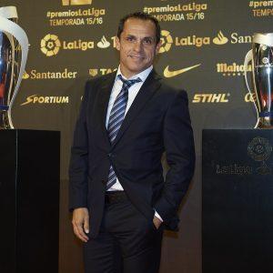 Barcelona name B-team coach Sergi as caretaker coach after Koeman sacking